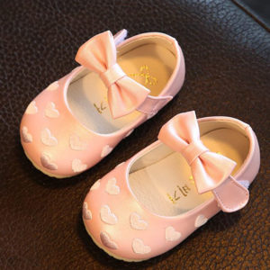 31-153-Pink love bow shoes